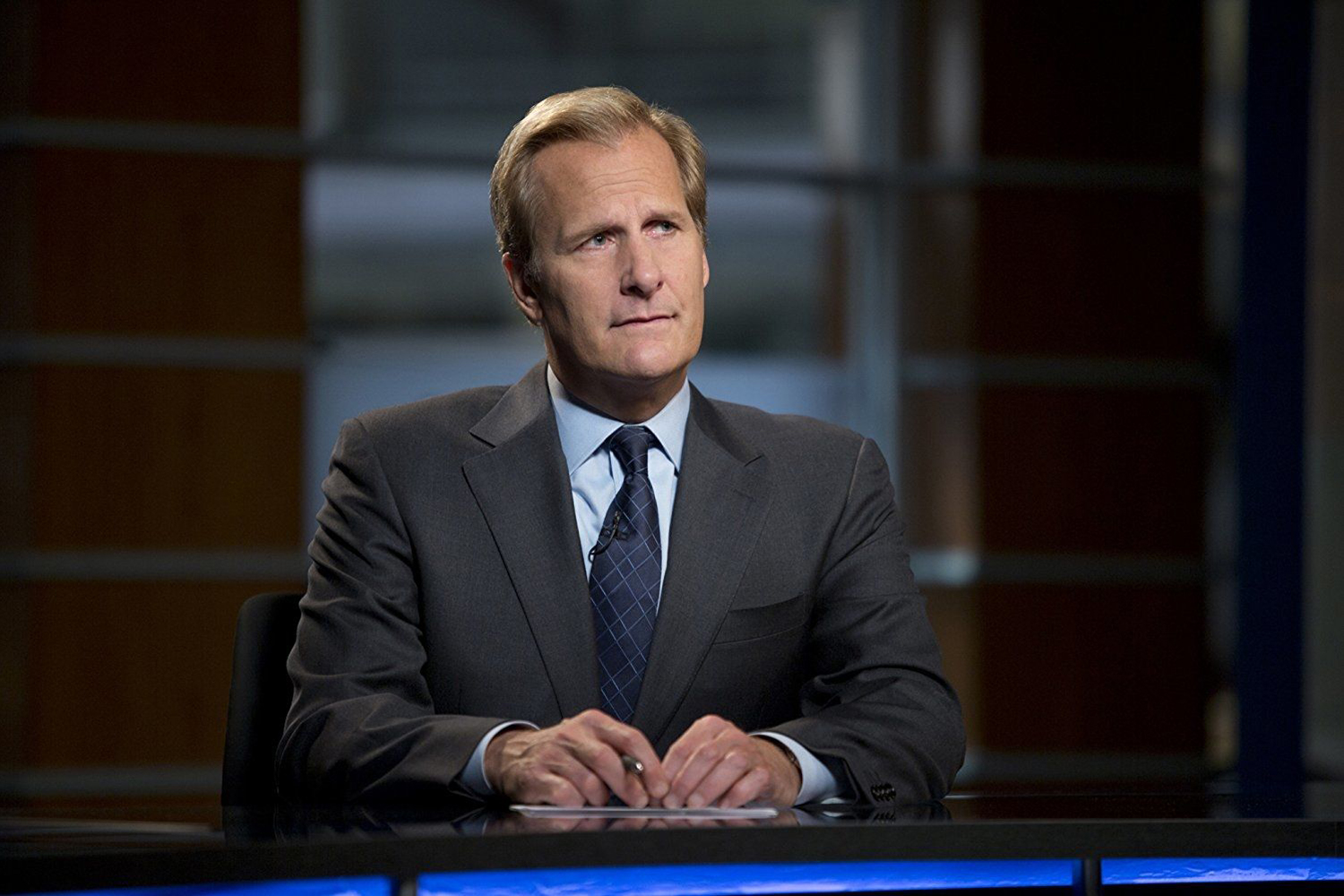 Jeff Daniels dans la série The Newsroom (HBO)